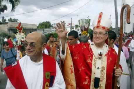 Las relaciones entre el catolicismo y el gobierno de Cuba pasan por sus mejores momentos, pero la jerarquía católica mira con ojos críticos la realidad cubana actual.