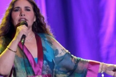 Dueña de un estilo inconfundible la cantante peruana regresó a Cuba después de una larga ausencia.