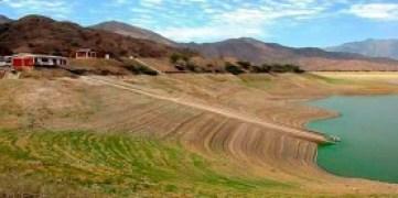 Los embalses del país arribaron a la temporada de seca, que comienza en noviembre, apenas con la mitad de su capacidad de almacenamiento.