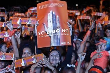 La líder del proyecto Todas Contracorriente e integrante de la Red de Artistas Únete, Rochy Ameneiro, convoco a participar en el Flash mob, acción por la No violencia de género, Día Internacional para la Eliminación de la Violencia contra las Mujeres, en