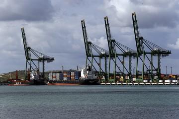 Vista de la Zona Espacial de Desarrollo del Puerto del Mariel durante las operaciones de explotacion, Provincia de Artemisa