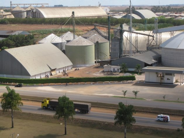 Complex of soy and maize storehouses and processing plants in Lucas Rio Verde, in the heart of the state of Mato Grosso, the country's main producer of soy, maize and cotton, in west-central Brazil. Credit: Mario Osava/IPS