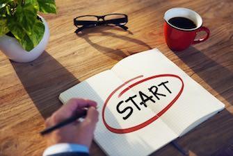 start-businessman-writing-drafting