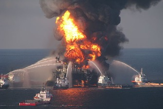 BP-Deepwater_Horizon_drilling-335