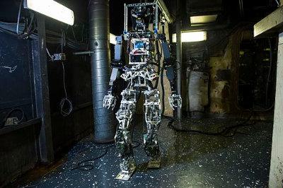 shipboard_autonomous_firefighting_robot_test_aboard_uss_shadwell_lsd-15_in_november_2014