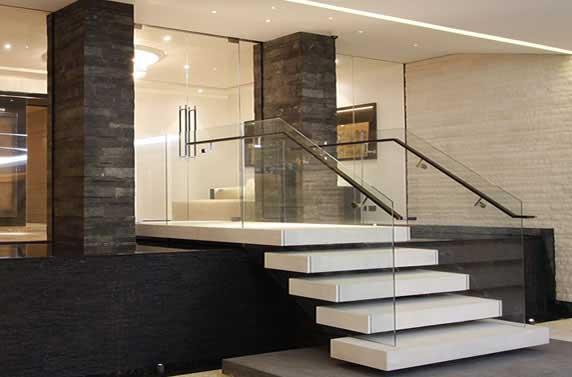 elegancia_ Gurda corpo de vidro _em escada