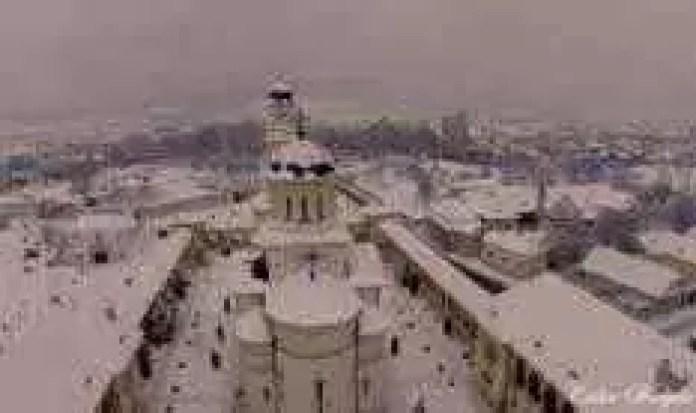 cetatea-alba-carolina-iarna-700x422