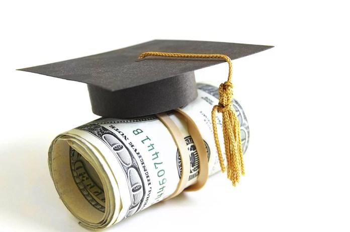 Burse studențești tot anul