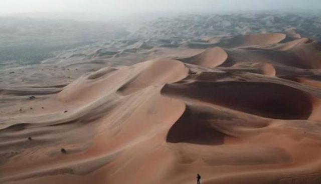 Λίβα: Η έρημος που μας πνίγει στην ζέστη και τη σκόνη από ψηλά! (βίντεο) |  iRafina