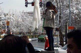 29 kvinnor arresterade i Iran för växande protester mot klädkod