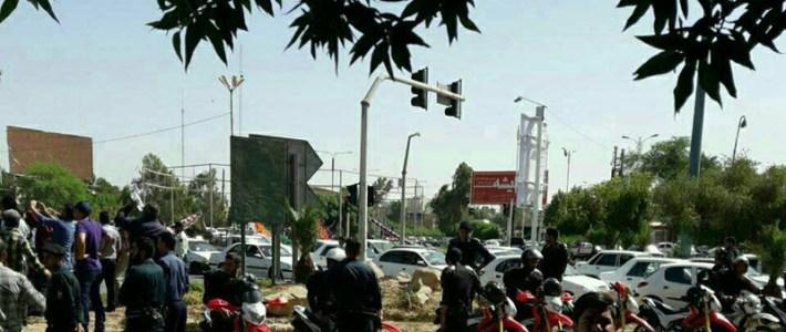 """IRAN: Hundratals stålarbetare i Ahvaz Chant """"Arresterade arbetstagare måste frigöras"""""""