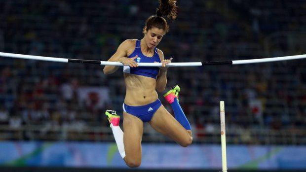 فوز اليونانية يكاتيريني ستيفانيدي بذهبية مسابقة القفز بالزانة في دورة الألعاب الأولمبية