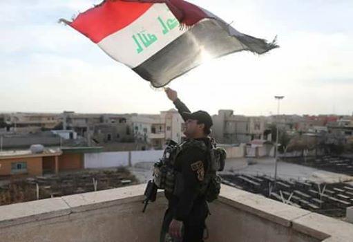 جهاز مكافحة الارهاب تدخل اول إحياء مدينة الموصل وترفع العلم العراقي فوق مبنى شبكة الإعلام..