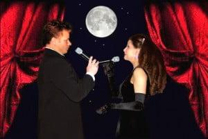 Zangeres Irene de Raadt en tenor Marc Canto tijdens hun duettenshow