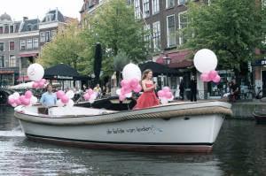 Zangeres Irene de Raadt, sopraan tijdens een optreden in Leiden