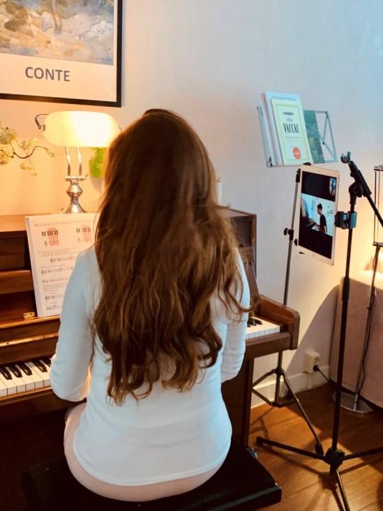 Irene de Raadt, online zangles en pianoles7