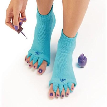 Pediküre Socken für warme Füsse beim Fußnägel Lackieren