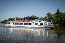 Magdeburg - Schiffe auf der ELBE