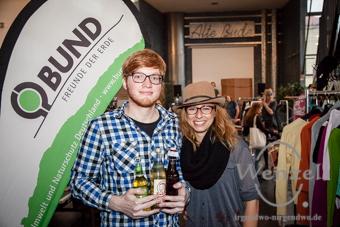 Jacqueline Görke &  Timo Gedlich organisieren das Klamotten-Karussell und die Konsumrausch-Party