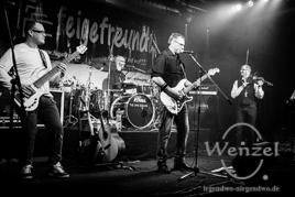 Affentanz in der Feuerwache Magdeburg  –  Feige Freunde