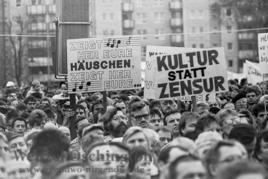 Kundgebung auf dem Magdeburger Domplatz:  4. November 1989