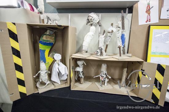 """""""Natürlich – Anziehend""""  –  Kreationen von Magdeburger SchülerInnen in der Jugendkunstschule Thiem 20"""