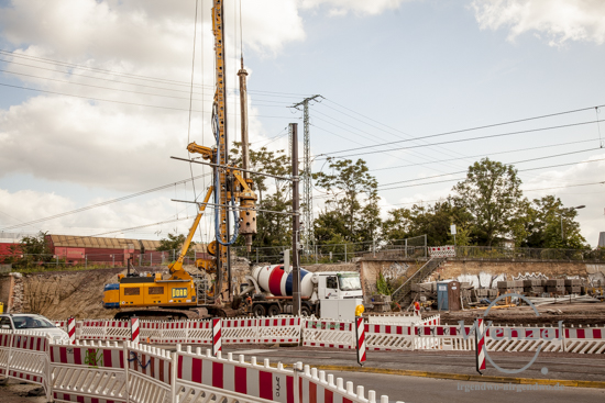 Bauarbeiten City Tunnel Magdeburg -   Bohrer fressen sich am Damaschkeplatz in den Boden