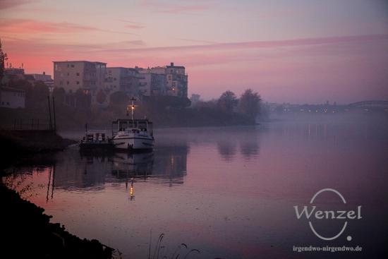 Ein Spaziergang an der Elbe –  wenn der Nebel alles verschluckt ...