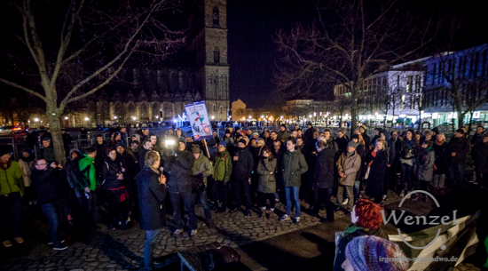 Mahnwache vor dem Landtag in Magdeburg zum  Tag des Gedenkens an die Opfer des Nationalsozialismus