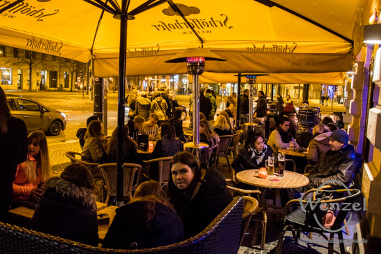 Schankwirtschaft JAKELWOOD, Flowerpower, Magdeburg Kartell, M2 Café & Bar Magdeburg, Likido Lounge Magdeburg, Phönix – Cocktailbar, Mephisto im Schauspielhaus, Xampanyeria, Einstein - Eure Bierkneipe am Hassel, ESCAPE Espresso Bar, Stern Bar Magdeburg, Gorillas, The Hyde, RIFF - Nur für Freunde, Café Central Magdeburg, Marc Roca & Friends, Screw FM, Pozor Vlak, Marcel Metzner, Katja & The Divas, Conor Ryan, Hausfreund Semanski, ECOC 2025, European Capitals of Culture, Kulturhauptstadt Magdeburg, Magdeburg, Magdeburg 2025, Hassel Fever, Hasselbachplatz, Party, Kneipenfestival –  Foto Wenzel-Oschington.de
