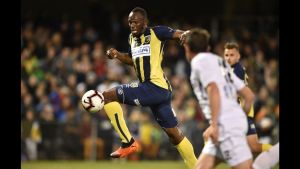 Usain Bolt to play soccer for charity