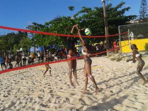National beach volleyballers Kai Wright and Sashalee Wallen open 2015 on a winning note