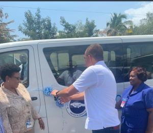 Nurses Association receives seven buses to transport members