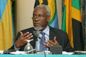 Former PM PJ Patterson to undergo surgery following motor vehicle accident