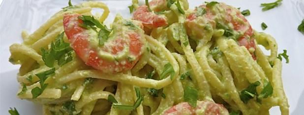 Linguine al pesto di gamberetti e aromi