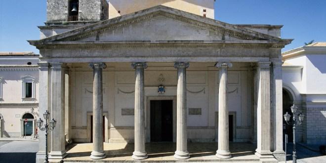 La Cattedrale San Pietro Apostolo