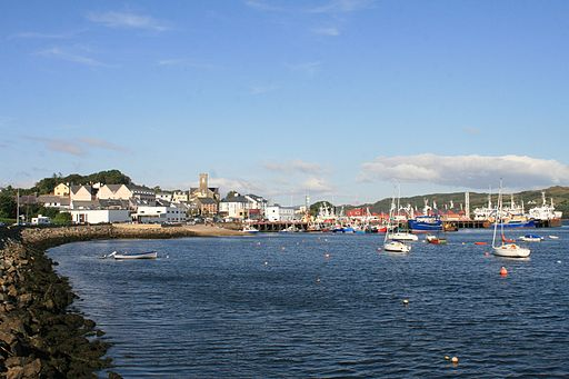http://commons.wikimedia.org/wiki/File:Killybegs_Harbour_2007_08_21.jpg