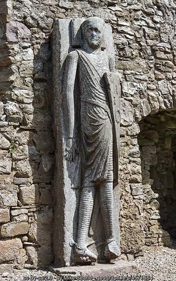 Stone sculpted knight in Kilfane Church