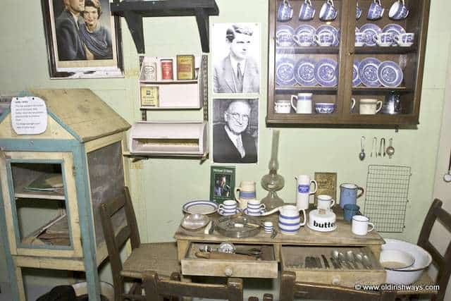Pictures of JFK and DeValera in an old Irish kitchen