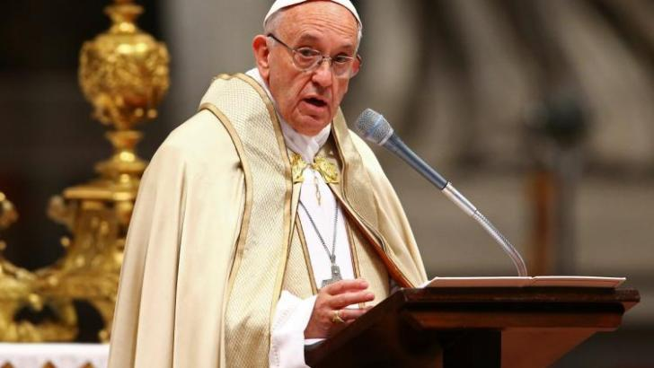 What is the biggest threat young people face? Mediocrity, Pope says