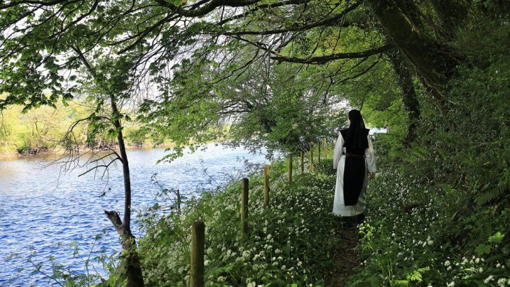 Work and prayer: the daily round of a convent