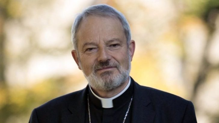 Abortion job requirements 'undermine' maternal healthcare, bishops warn