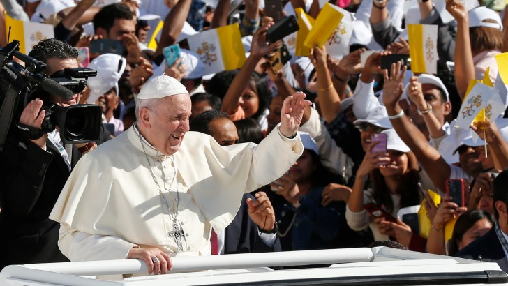 Be 'armed' with love, Pope tells Christians on Arabian Peninsula