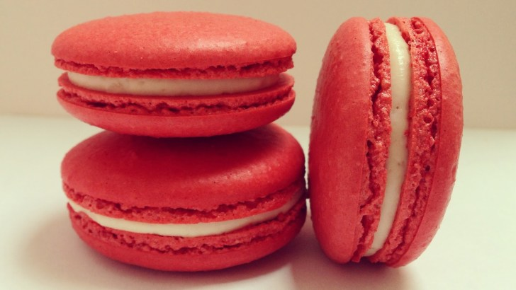Romantic red velvet St Valentine's day macarons