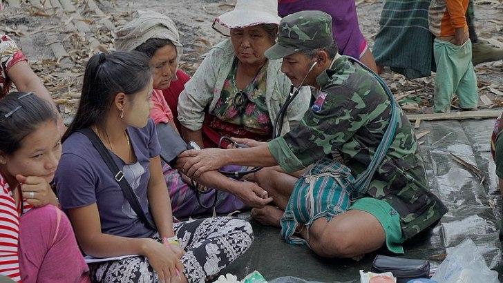 Thai Catholics assist Myanmar's Karen refugees