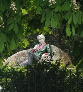 Statue of Oscar Wilde, Merrion Sq, Dublin © Eoin Gardiner on Flickr (CC BY 2.0)