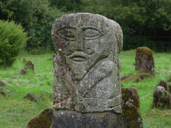 Early or pre-Christian statue, Boa Island, Loch Erne Wikimedia, Public Domain