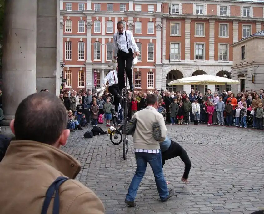 Covent Garden Entertainers - Rugby Tours in London