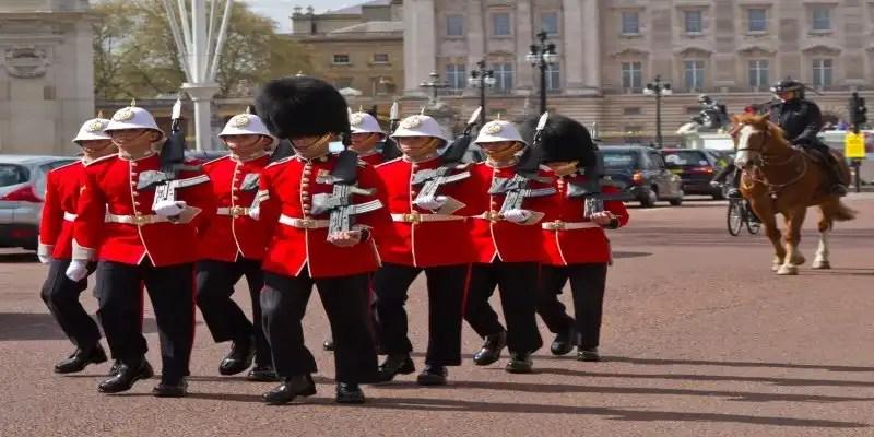 Changing of the Guard - Londons' Fantsatic Freebies, Irish Rugby Tours