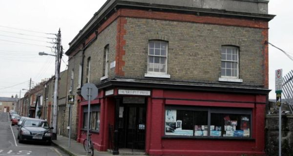 Lilliput Press, Stoneybatter: sold Mannix Flynn works online without right to do so